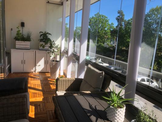 Trivsam och fin lägenhet med balkong i söder!